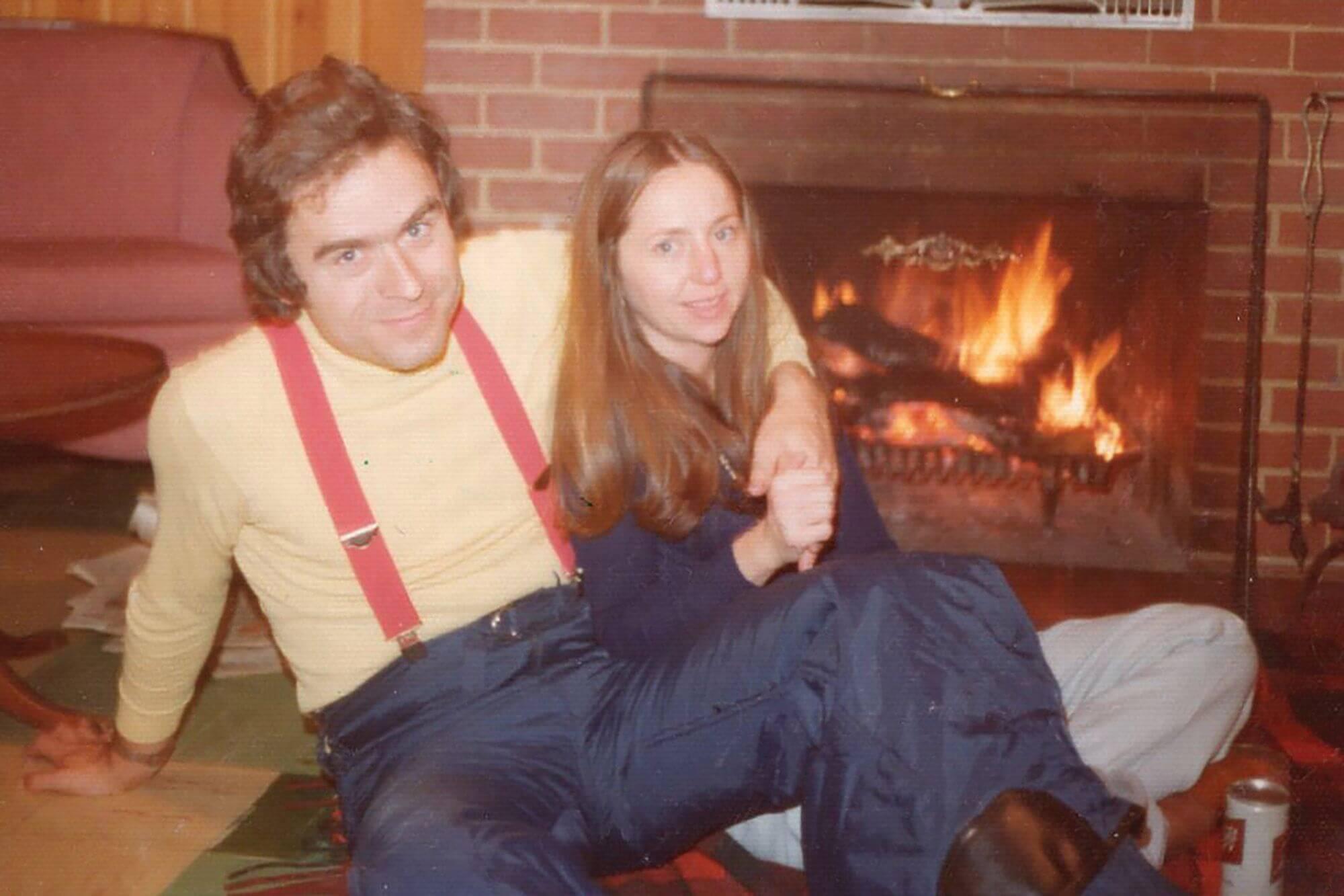 تد باندی و دوست دخترش الیزابت